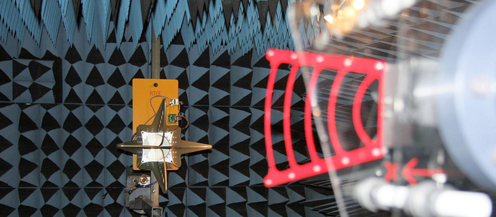 antenna testing dual ridge horn anechoic chamber