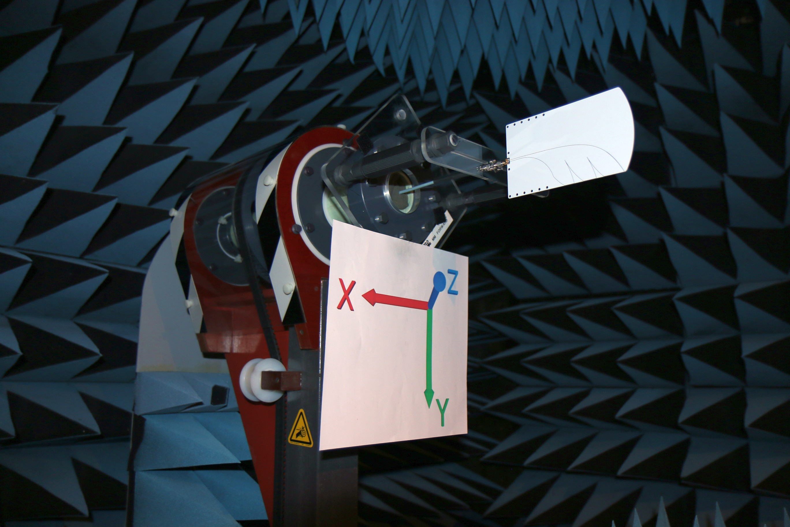 Palm Tree Antipodal Vivaldi Antenna Anechoic Chamber Photo 3